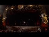 Выступление голограммы Майкла Джексона с песней Slave to the Rhythm (с посмертного альбома Джексона Xscape.)