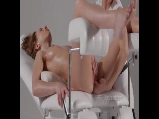 G-spot and clitoris vibrators