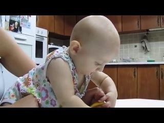 Limon Yemeye Doyamayan Bebek :)