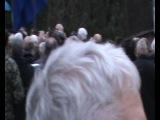 Ветерани УПА та гості співають гімн ОУН, 5 березня 2014, с. Білогорща