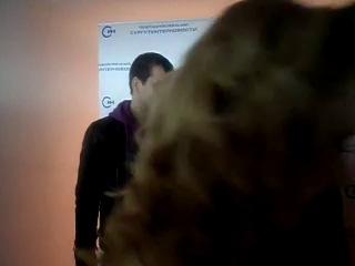 Влад Канопка фотографируется с фанатками))):З