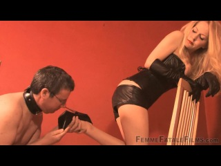 Mistress Eleise De Lacy - A Sound Wanking.Лучшее ФЕМДОМ видео и фото в группе http://vk.com/femdom_ru и на сайте http://fem-dom