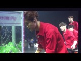 [FANCAM] 140411 EXO: Luhan vs Xiumin @ Greeting Party in Japan 'Hello'