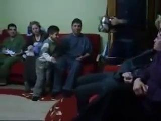 2013_Kamera_şakaları_izle_komik_şakalar_enişteye_çaydanlık_şakası_medium-1