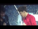 """[FANCAM] 140411 EXO LAY vs CHEN @ Greeting Party in Japan """"Hello!"""""""