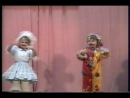 А-1352,(в/ч 61798),Куклы, танцуют малыши.. 2002г.(архив)
