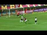 Легендарный вратарь Рожерио Сени,забивший более 100 голов,завершает карьеру