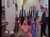 Танец папы и дочки для мамы к 8 марта.