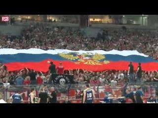 Братья Сербы разворачивают флаг России и поют Катюшу на игре с командой из Украины!