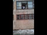 друг в последний день учебы 3 четверти перед каникулами вышел из школы через окно XD