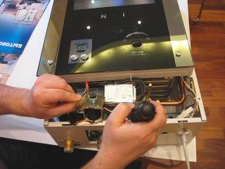 Проверка(2) работоспособности электромагнитного клапана на газовой колонке НЕВА-ТРАНЗИТ ВПГ - 8EG(МТ)