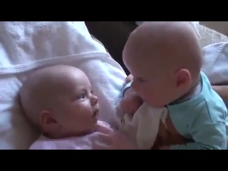 Малыши спорят) Близнецы младенцы Самые ржачные приколы! Дети vfksib cgjhzn) ,kbpytws vkfltyws cfvst hfxyst ghbrjks! ltnb