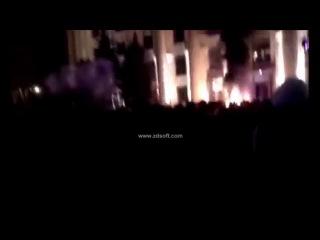 В Харькове загорелась ОГА через взрыв светошумовых гранат. 07.04.2014.