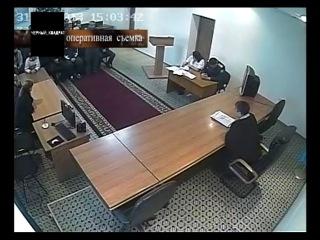 Передача «Украл, продал в тюрьму» в программе «Черный квадрат» телеканала «КТК»