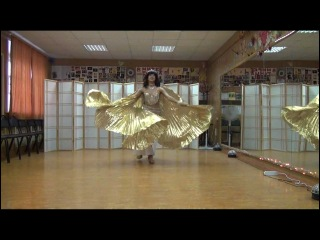 Доброе утро - восточный танец с крыльями - Ирина Звягина. Как услышала эту песню Веры Брежневой - подумала, что под нее крылья восточные очень подойдут - солнечная утренняя бабочка или солнышко или птичка утренняя - очень хорошая песня, танцевала с удовольствием! В МИРЕ ТАНЦА - мы работаем все лето!)