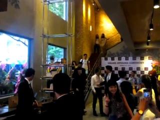 Lee Jong Suk  [24.08.14]   Caffe Bene grand opening, Vietnam [3]