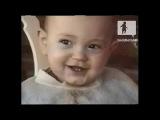 Забавный малыш смеется как дельфин == Кормушка Уникальное Фото Видео Приколы Гифки ==