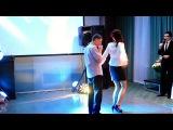 Друзья ... оооо...как они танцуют :D
