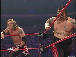 (WWEWM) WWE Monday Night RAW 10.12.2007: Evolution (Batista, Ric Flair, Triple H) vs Rated RKO (Randy Orton, Edge) & Umaga
