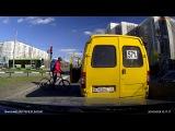 Велосипедист против маршрутки ( с 0:30)