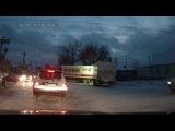 Фура Магнита завалила светофор в Кыштыме