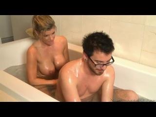 порно видео сисястая мама друга