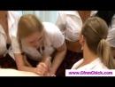 секс школьниц с учителем. школьницы поймали и отрахали учителя