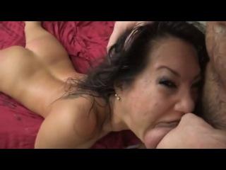 Порно жаркое порево брюнетки