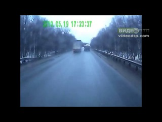 Тройное ДТП в Башкирии: столкнулись легковушка и два грузовика | ДТП авария