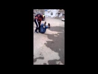 В Екатеринбурге велосипедист жестоко избил отца двоих детей