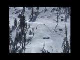 Неудачная попытка заехать на вершину горы на снегоходе