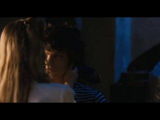 Ты и я ( io e te 2012,  бернардо бертолуччи) | david bowie – ragazzo solo, ragazza sola