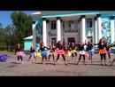 Танец с зонтиками на 1 июня