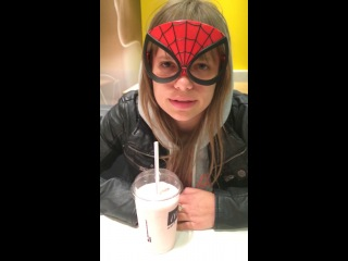 Spiderwoman балотируется в президенты
