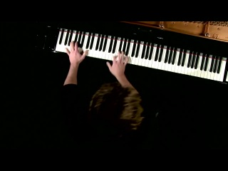 Бесподобная игра на фортепиано музыки из к\ф Пираты Карибского моря