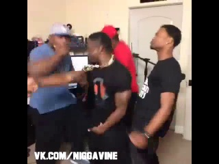 I hate when people who freestyle do this (Nigga Vine)