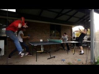 Эпичная игра в пинг-понг :D