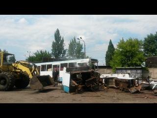 вот так правильно нужно вынимать Двигатель с автобуса ЛАЗ-52527