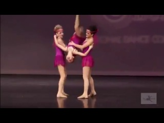 Dance Moms - Chloe,Brooke, Maddie's 'Somebody Told Me (S2E12)