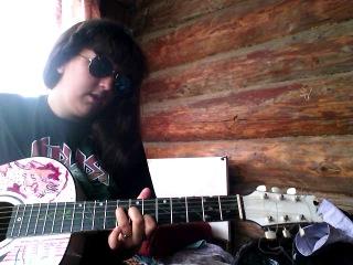 армейская песня под гитару про маму грустная северный ветер.Девченка круто спела молодец.