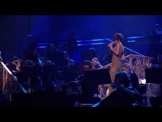 «Umbrella» «Hate That I Love You» Live @ «American Music Awards 2007»