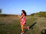 Нашла недавно - прикольно я отдыхала на природе - танцую везде - это было..... давно - сейчас бы я просто побегала или полежал б на травке)))