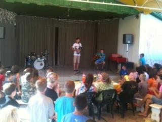 Ванькаа с Костей) В лагере) Всем очень понравилось) Ханаан are talent.