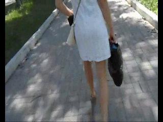 Девочка в белых трусиках и прозрачном платье. Тула