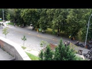 Майдан з боку Інститутської
