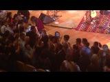 Николя Саркози на концерте своей жены Карлы Бруни