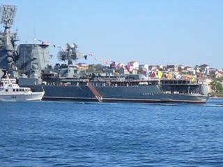 флагман МОСКВА(121) и эскадра военных кораблей_репетиция празднования 9 мая