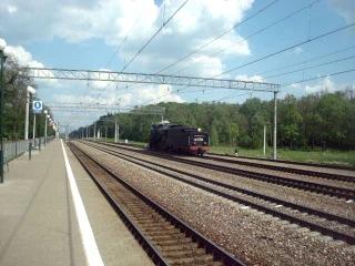 Грузовой магистральный паровоз Лв - 0283 производит манёвры по станции