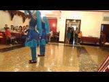 Казашки танцует лезгинку