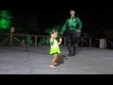 Супер !!! Маленькая девочка танцует лезгинку.